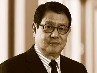 ROBERT CHAN [photo]